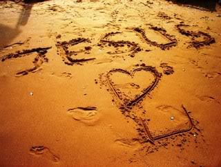 15-jesus-loves-you-written-in-the-sand.jpg