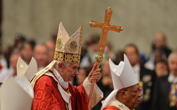PopeBenedictXVI-29Jun2012-01.jpg