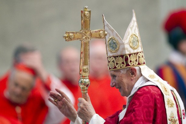 PopeBenedictXVI-29Jun2012-03.jpg