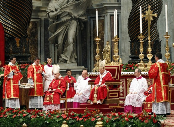 PopeBenedictXVI-29Jun2012-06.jpg