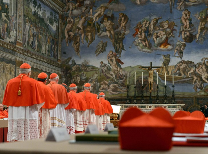 Cardinals-enter-the-Sistine-Chapel.jpg