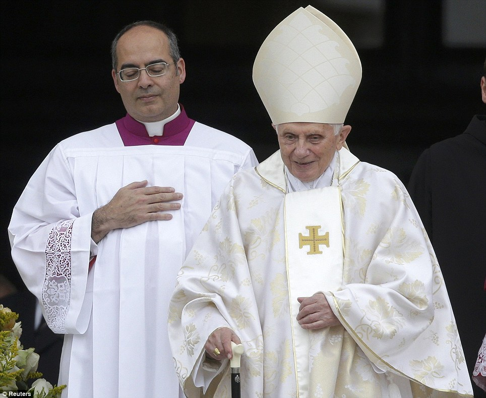 http://conggiao.info/pic/news/2014/Apr/27/PopeFrancis-27Apr2014-02.jpg