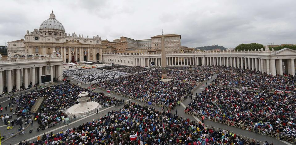 http://conggiao.info/pic/news/2014/Apr/27/PopeFrancis-27Apr2014-10.jpg