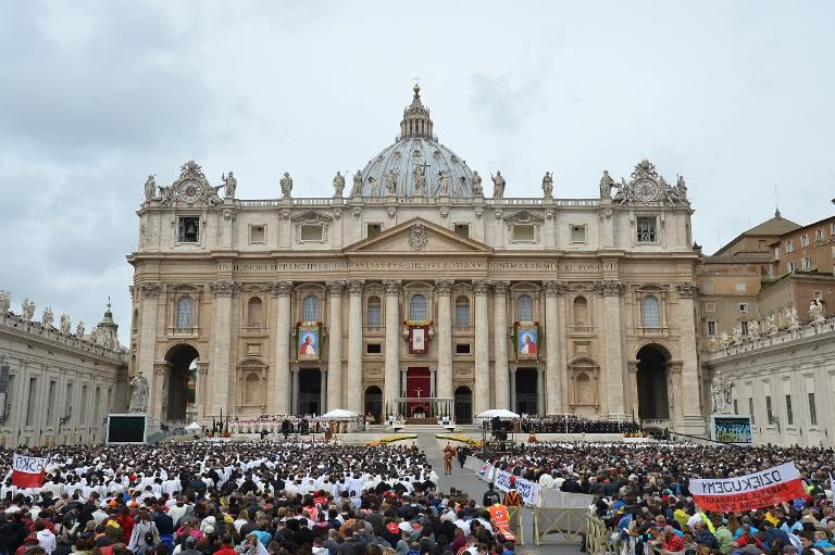 http://conggiao.info/pic/news/2014/Apr/27/PopeFrancis-27Apr2014-14.jpg