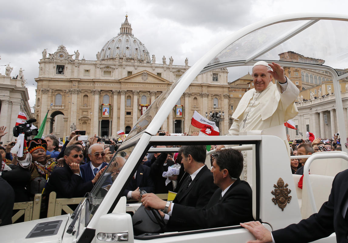 http://conggiao.info/pic/news/2014/Apr/27/PopeFrancis-27Apr2014-30.jpg