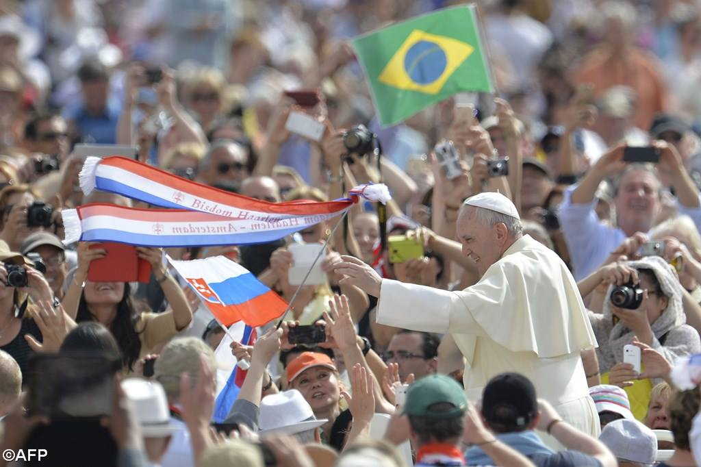 PopeFrancis-05May2015-6.jpg