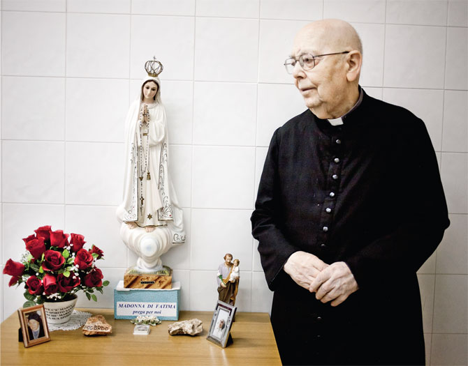 amorth-and-virgin-mary.jpg