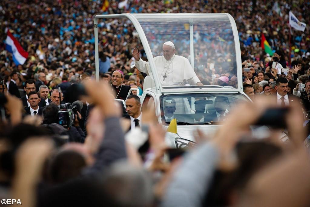 PopeFrancis-12May2017-13.jpg
