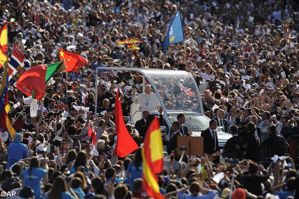 PopeFrancis-12May2017-14.jpg