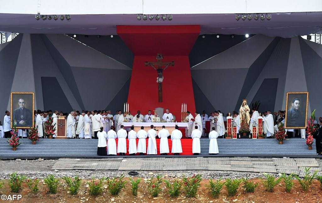 PopeFrancis-Colombia-07.jpg