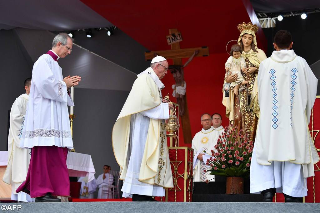 PopeFrancis-Colombia-09.jpg