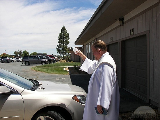 deacon-ken-blessing-our-car-pittsburg.jpg