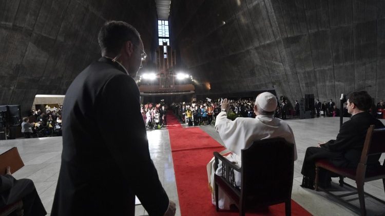 PopeFrancis_25Nov2019_09.jpg