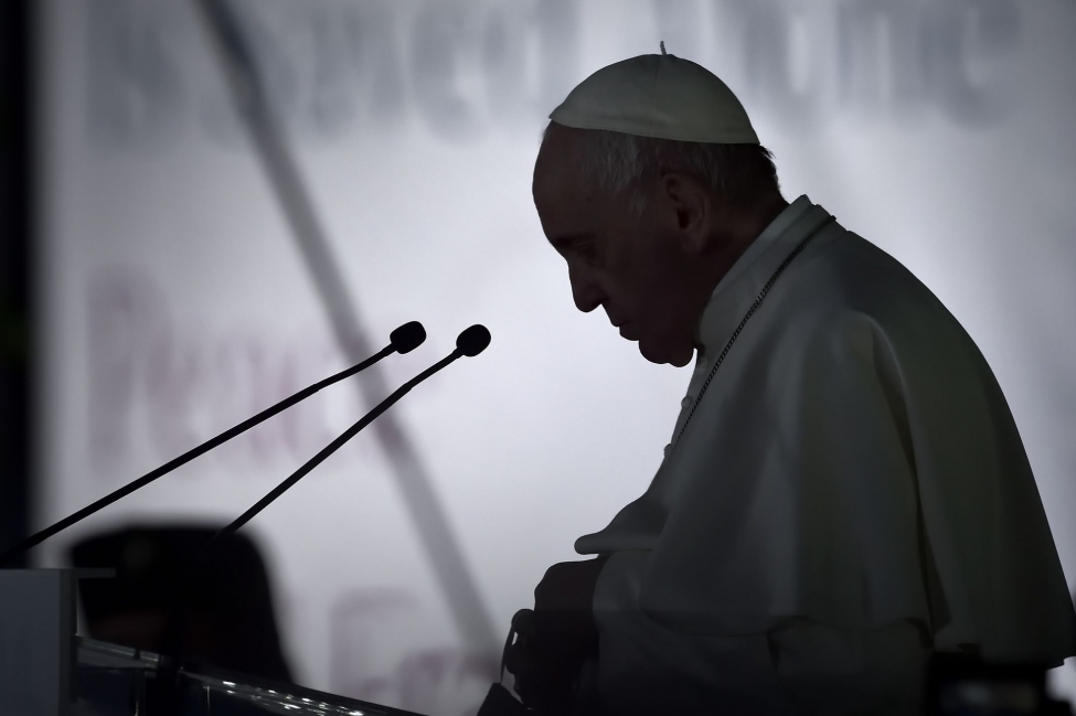 Pope-Francis-law-for-same-sex-civil-unions-in-new-documentary.jpg